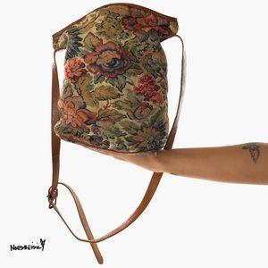 ¡¡💕2/$20!! UNISA Vintage Floral Bag